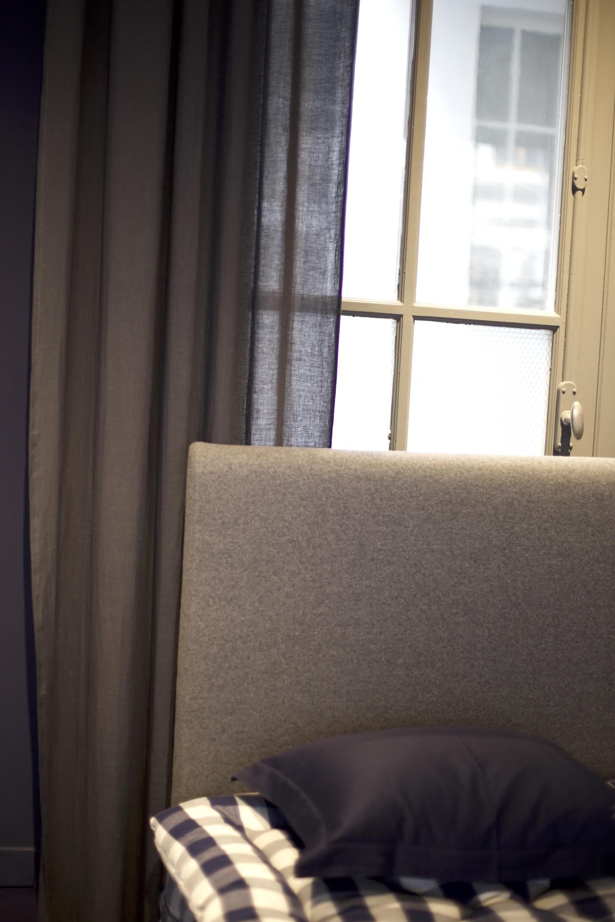 EALA - 180x210 cmBJX Luxury, med-firmSALE Preis CHF 16'176.00Originalpreis CHF 20'220.00_EALA Blue Check Anniversary180x210 cmBJ, med-firmSALE Preis CHF 17'701.00Originalpreis CHF 19'668.00