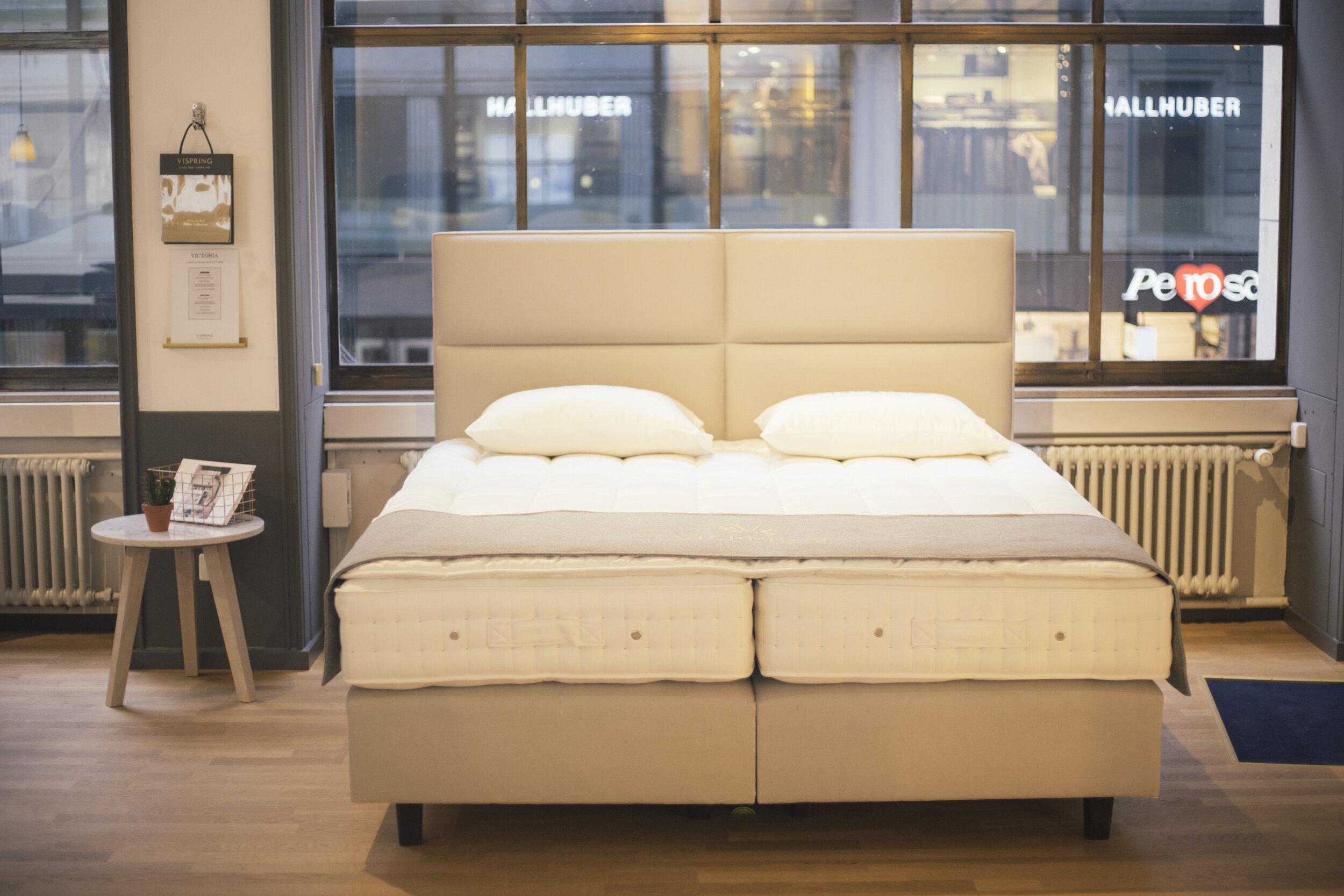 Beratung und Probeliegen - In unserem Showroom haben Sie die Möglichkeit die verschiedenen Modelle von Hästens und Vispring auszuprobieren. Wir beraten Sie gerne und helfen Ihnen das perfekte Bett für Sie zu finden.