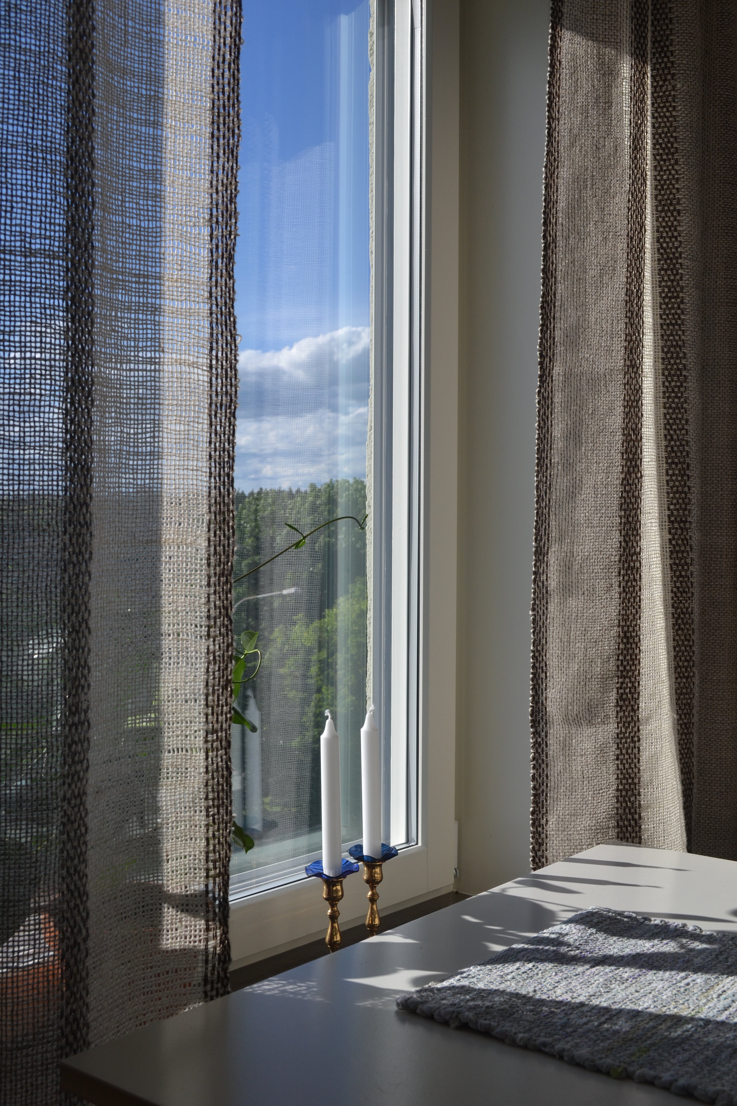 Curtains in wool/linen yarn