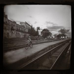 F209 N5 HOLGA Cuba train station biker DUSTED NEW c H40 S45 B70.jpg