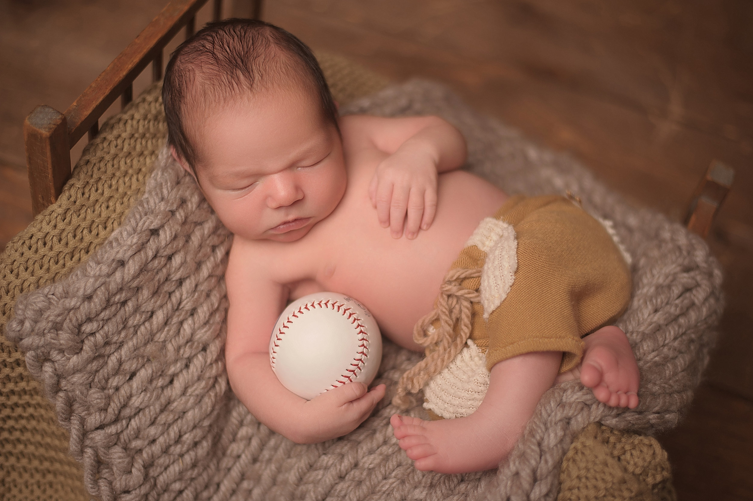 CHICAGO-NEWBORN-PHOTOGRAPHER-1.jpg