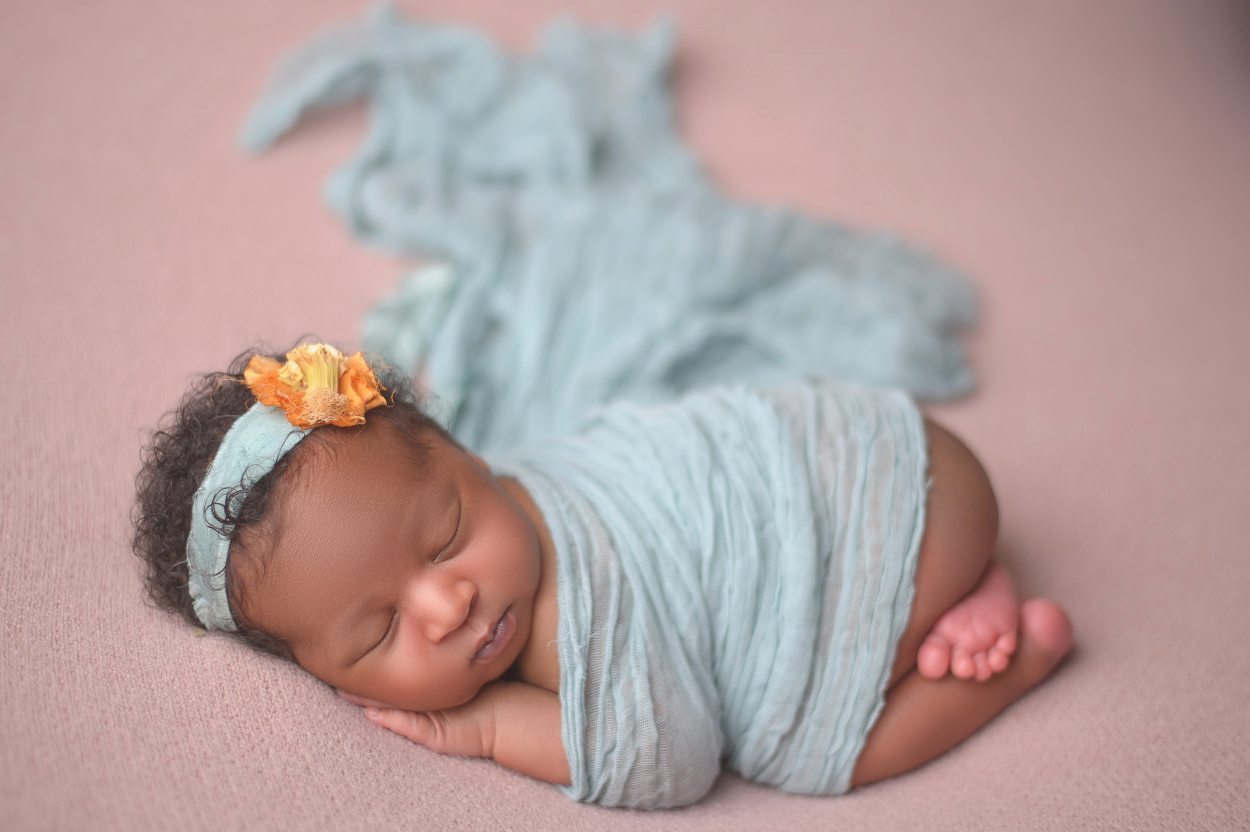 CHICAGO-NEWBORN-PHOTOGRAPHER-4.jpg