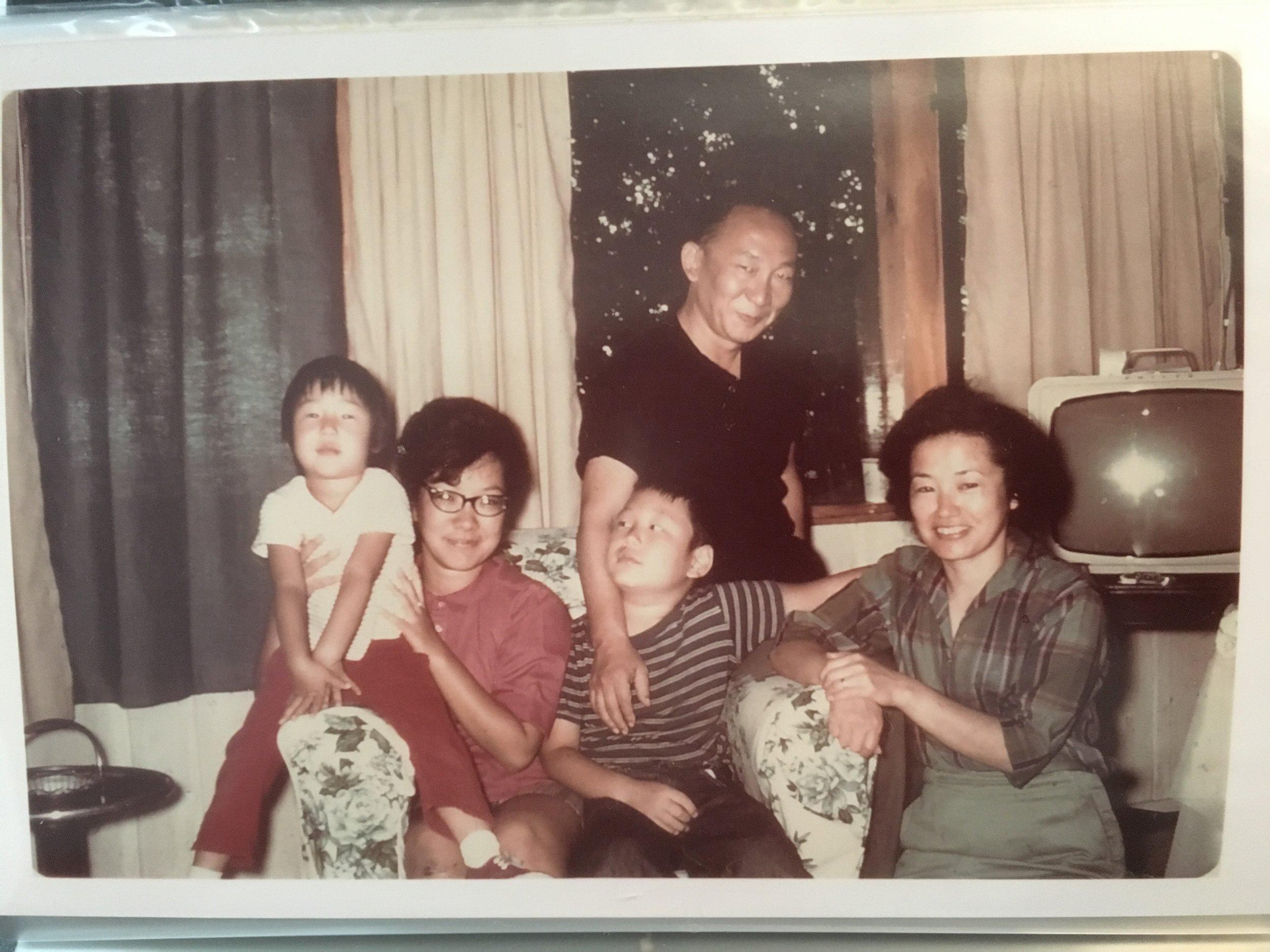FAMILY_1960S_IMG_1536.jpg