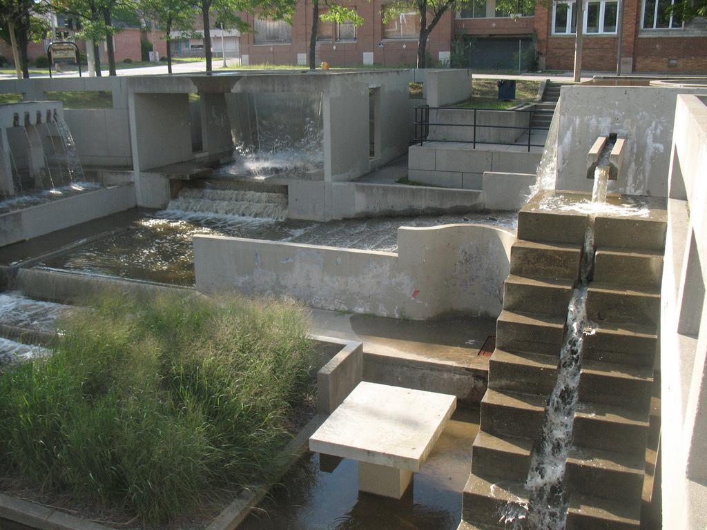 grand fountain 2.jpg