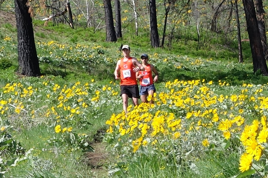 CNW members Seth Berntsen and Waqar Shaikh racing the 2017 Methow Trails Sunflower 1/2 Marathon.