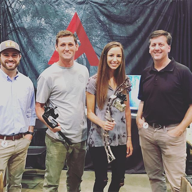 If your at the World Deer Expo stop by the booth. Great to meet @southernoutdooradventures @alyfromalabama @cody_hall14 and thanks @grandslamoutdoors #getavyd #bowhunter #bowhunting #deerhunting #worlddeerexpo