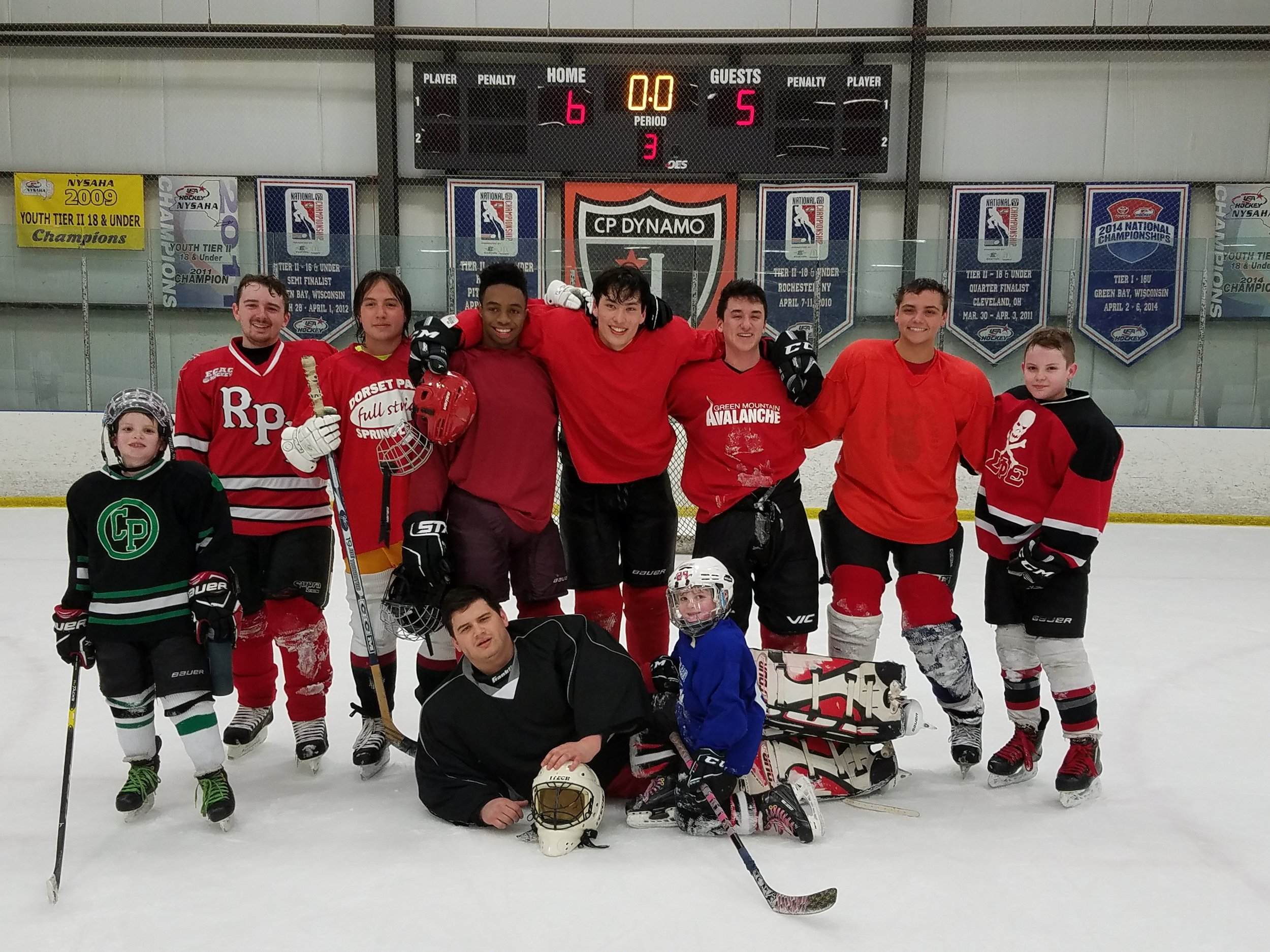 Alumni Hockey 2019 undergrads.jpg