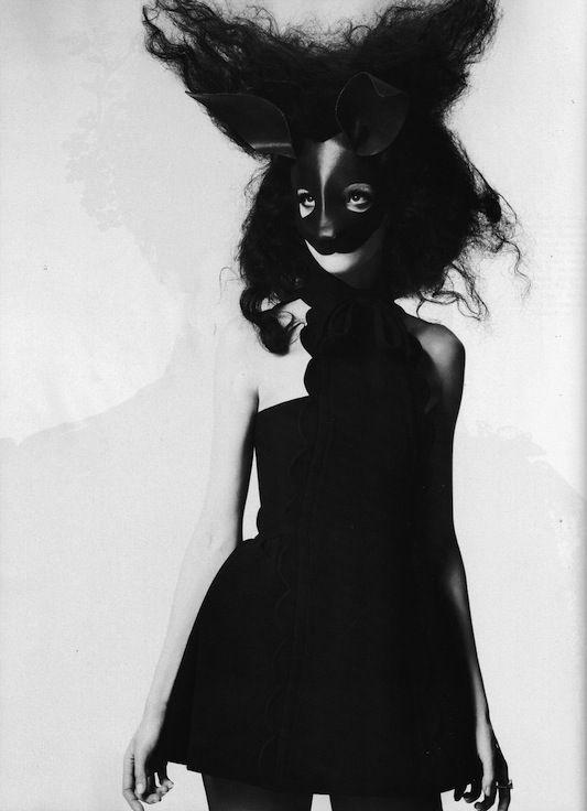 woman_black_mask1.jpg