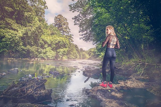 #thatview #love the #secret #treasure of #edinburgh  @kashaf.henna.artistry  #water #trees #black #red #shoes #henna #lovemyjob #opusultanphotography #osp #offcameraflash #ambiance #naturallight #picoftheday