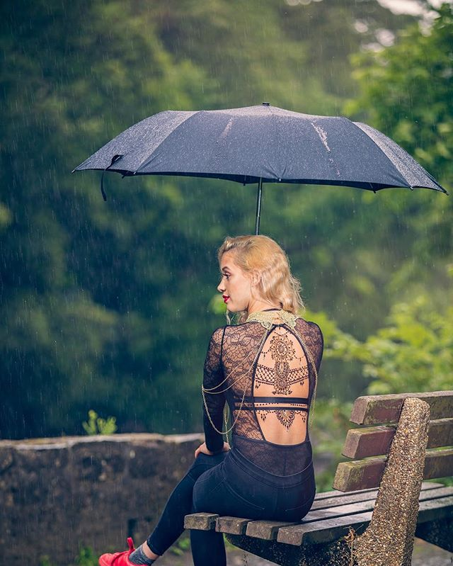 #come #rainorshine #justbringit #lovemyjob another one @kashaf.henna.artistry #project #shoot  #opusultanphotography #osp #picoftheday #offcameraflash #naturallight #ambiance #rain #umbrella #henna