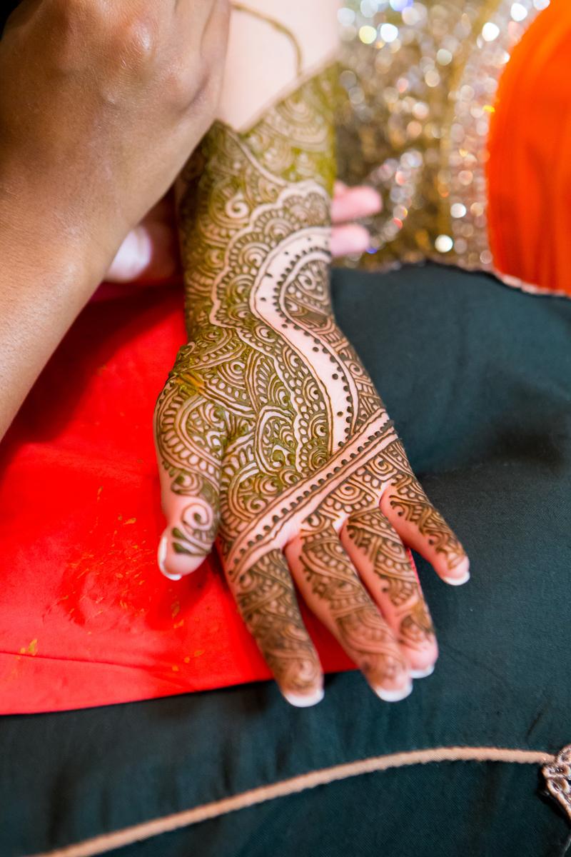 Akifa's Mehndi Queen Elizabeth Hall Opu Sultan Photography Asian Wedding Photography Manchester Edinburgh-174.jpg