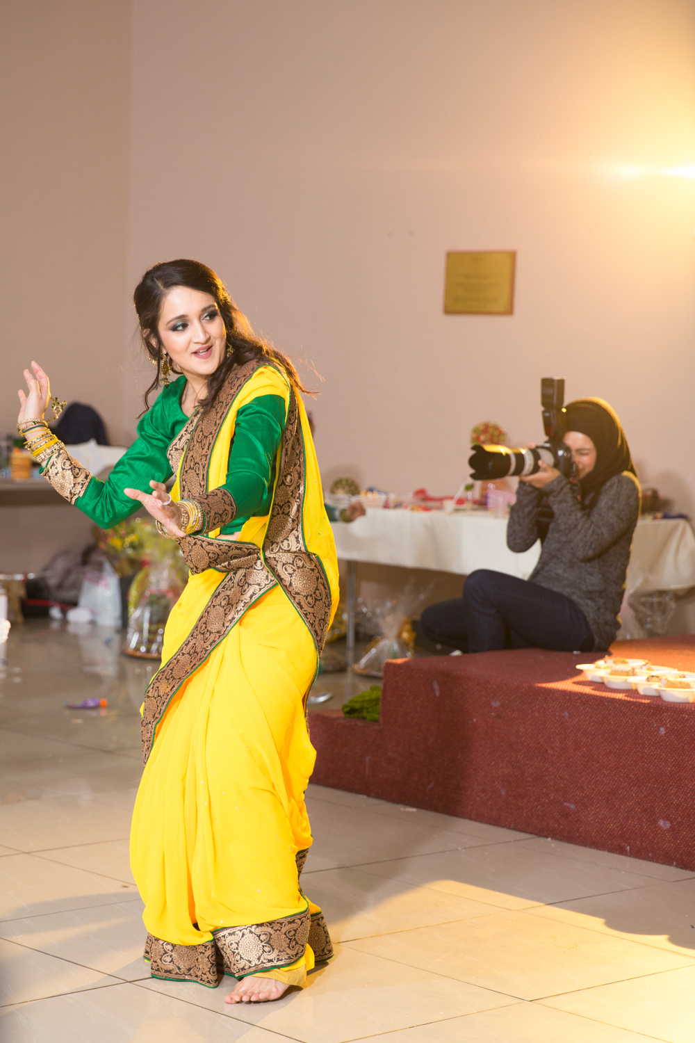 Emon Mehendi Party Opu Sultan Photography Off Camera Flash-16.jpg