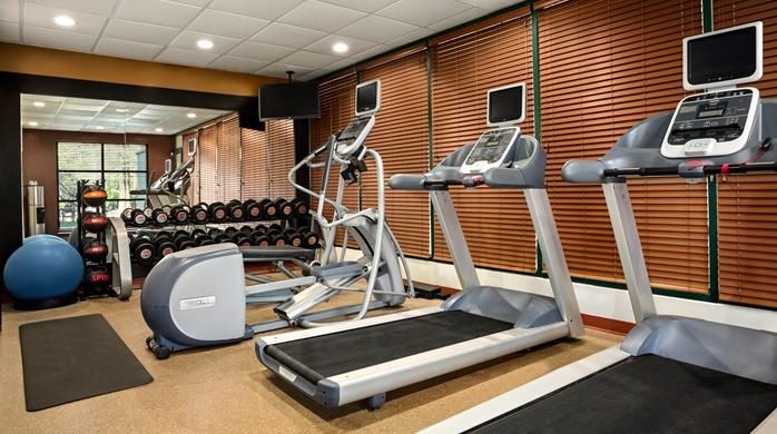 QC Facade - HGI-Atlanta-Perimeter-Center-SO42704_Fitness.jpg