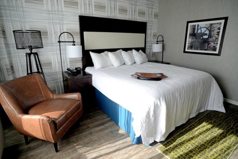 BOTTOMOF BED - >>>