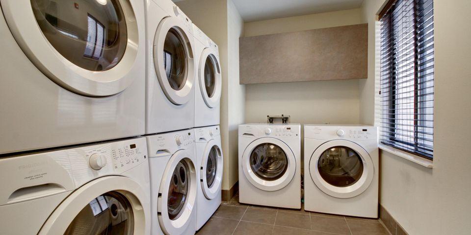 SBS-Middleton-WI-SO31341-laundry.jpg