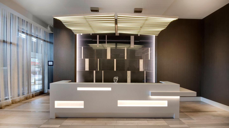 avlac-desk-0002-hor-wide.jpg