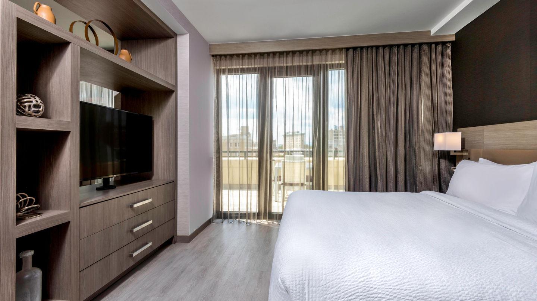 avlac-guestroom-0011-hor-wide.jpg