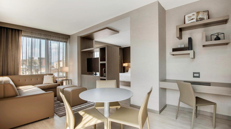 avlac-guestroom-0012-hor-wide.jpg