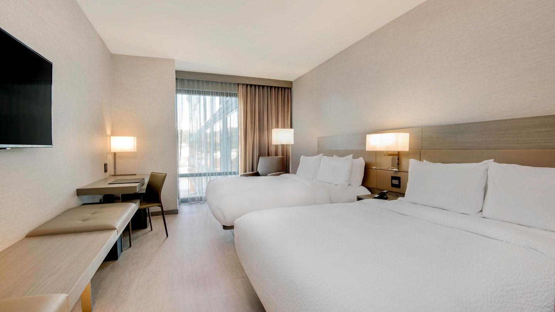 avlac-guestroom-0015-hor-wide.jpg
