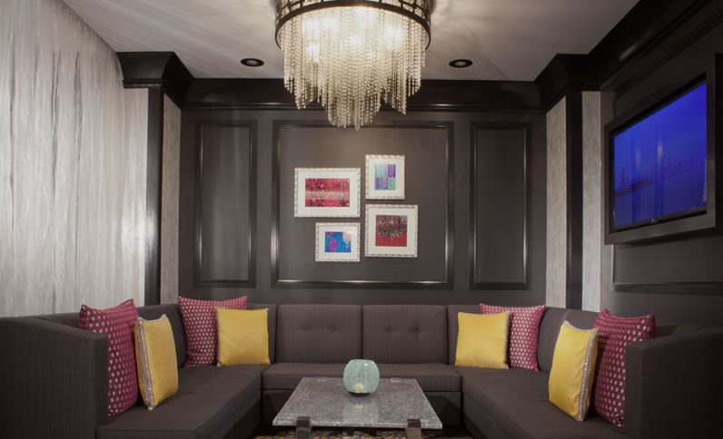 lounge-at-the-silversmith-hotel-illinois.jpg
