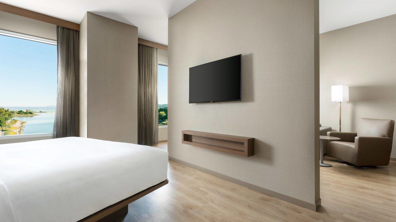 sfoya-suite-0052-hor-wide.jpg