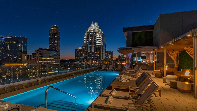 auswi-azul-rooftop-4268-hor-wide.jpg