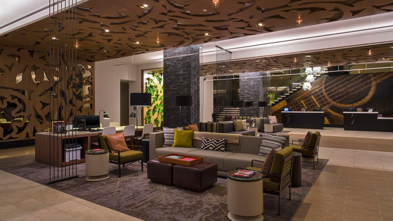 auswi-lobby-seating-4849-hor-wide.jpg