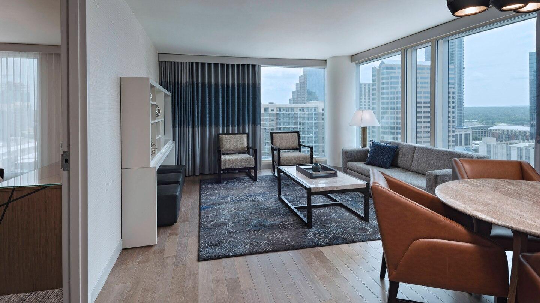 auswi-suite-living-1478-hor-wide.jpg