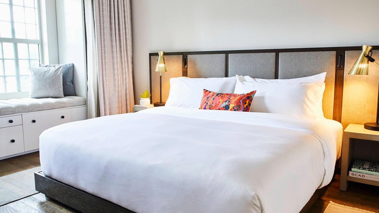 savtx-guest-room-9060-hor-wide.jpg
