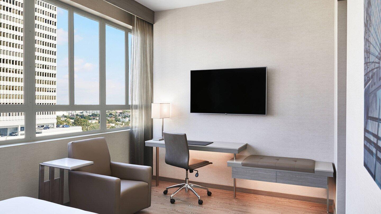 laxab-guestroom-5925-hor-wide.jpg