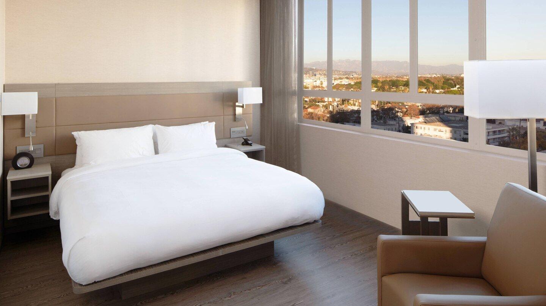 laxab-guestroom-5926-hor-wide.jpg