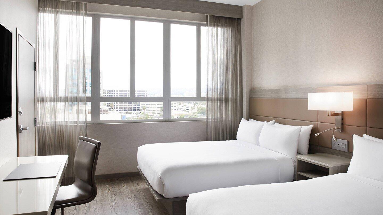 laxab-guestroom-5927-hor-wide.jpg