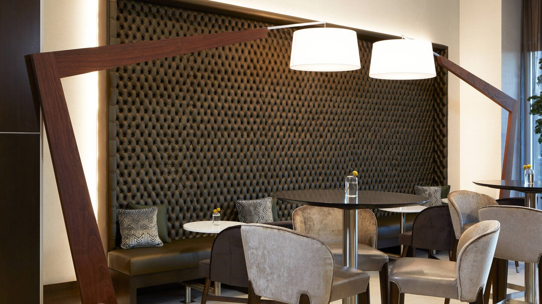 laxab-lounge-5937-hor-wide.jpg
