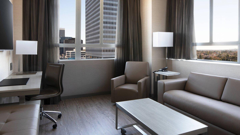 laxab-onebedroom-suite-6726-hor-wide.jpg