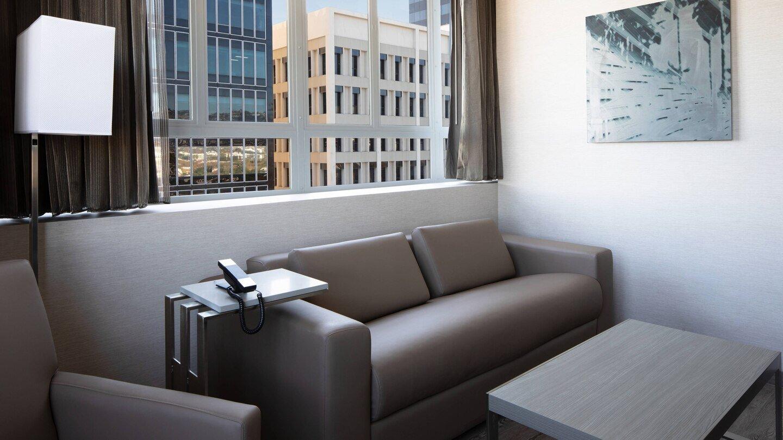 laxab-onebedroom-suite-6727-hor-wide.jpg