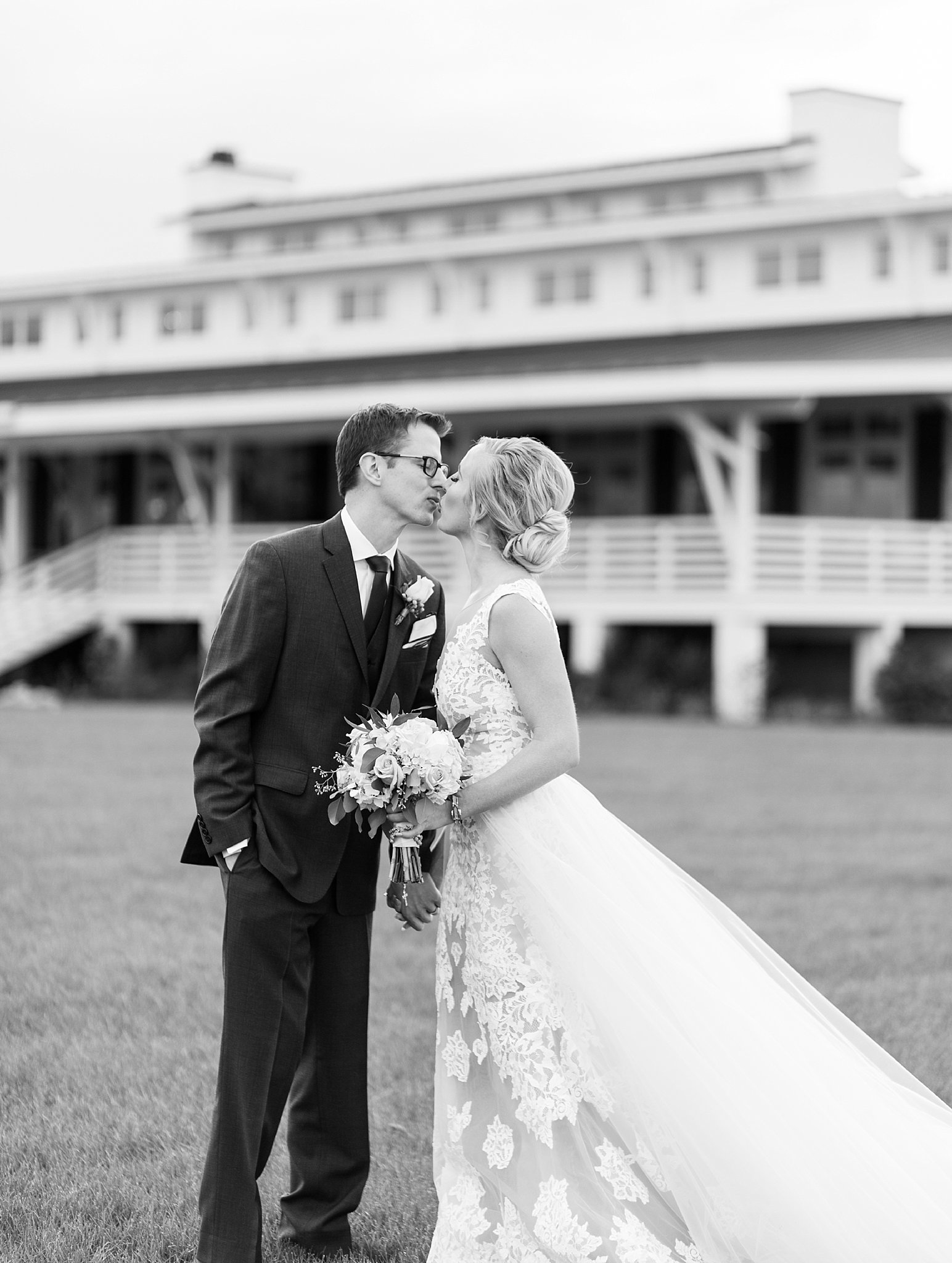 VUpper Shirley Vineyards Wedding Photographer - Virginia Wedding Photographer