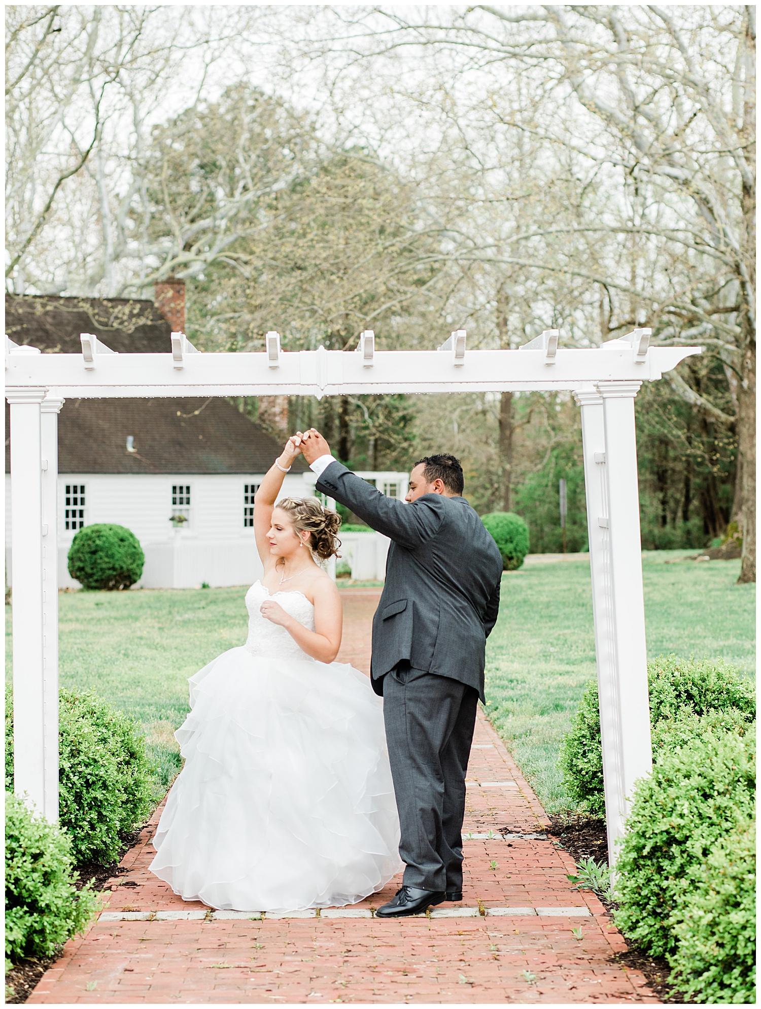 Bride and Groom outdoor portrait - Virginia Wedding Photographer
