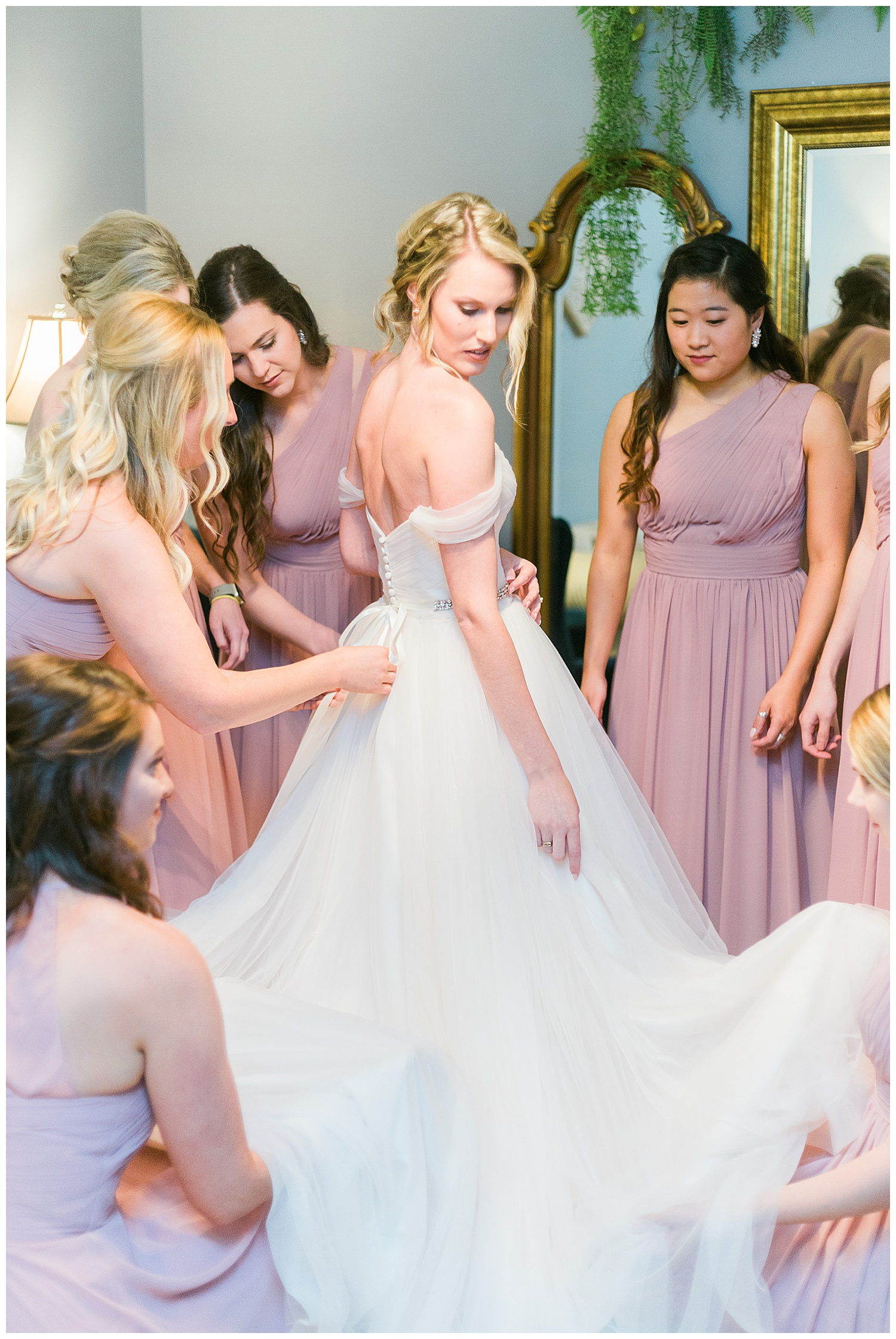 Ashton Creek Vineyard | Bride and Bridesmaids getting ready (Justin Alexander ball gown wedding dress in blush pink.)