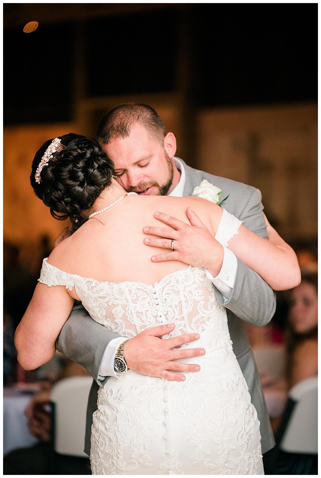 River Uplands Farm Wedding | Virginia Wedding Photographers