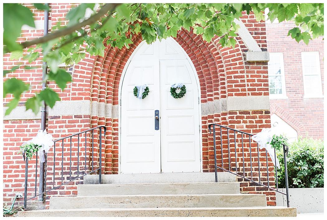 Charlottesville-Wedding-Photographers-0600.jpg