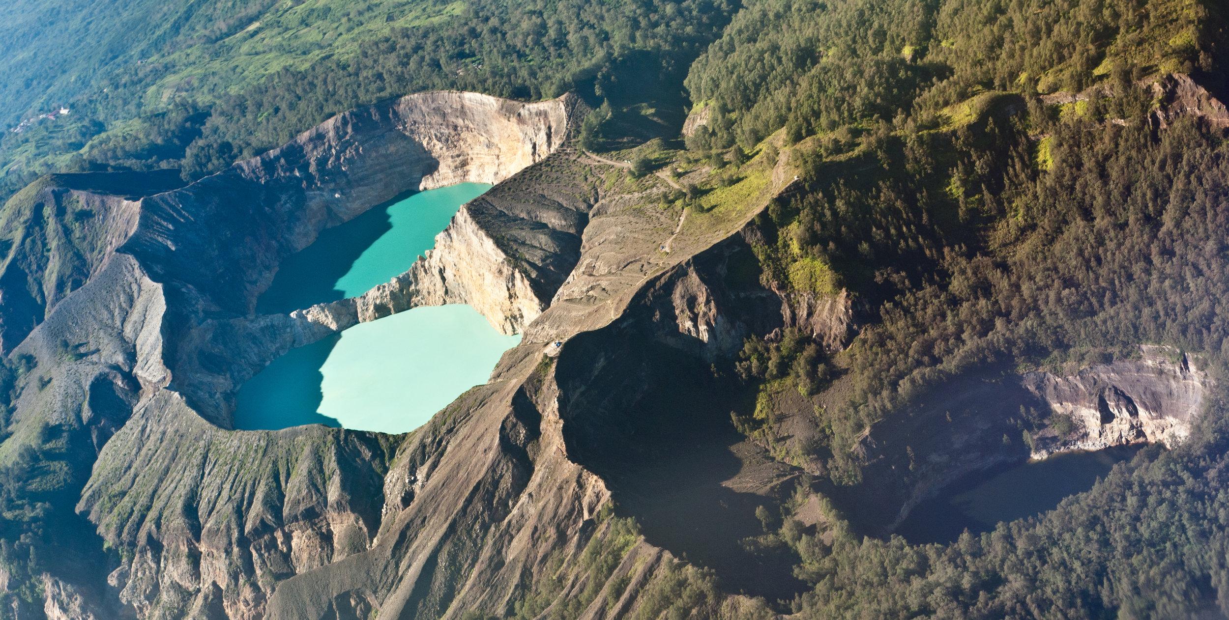 Kelimutu Crater Lake.jpg