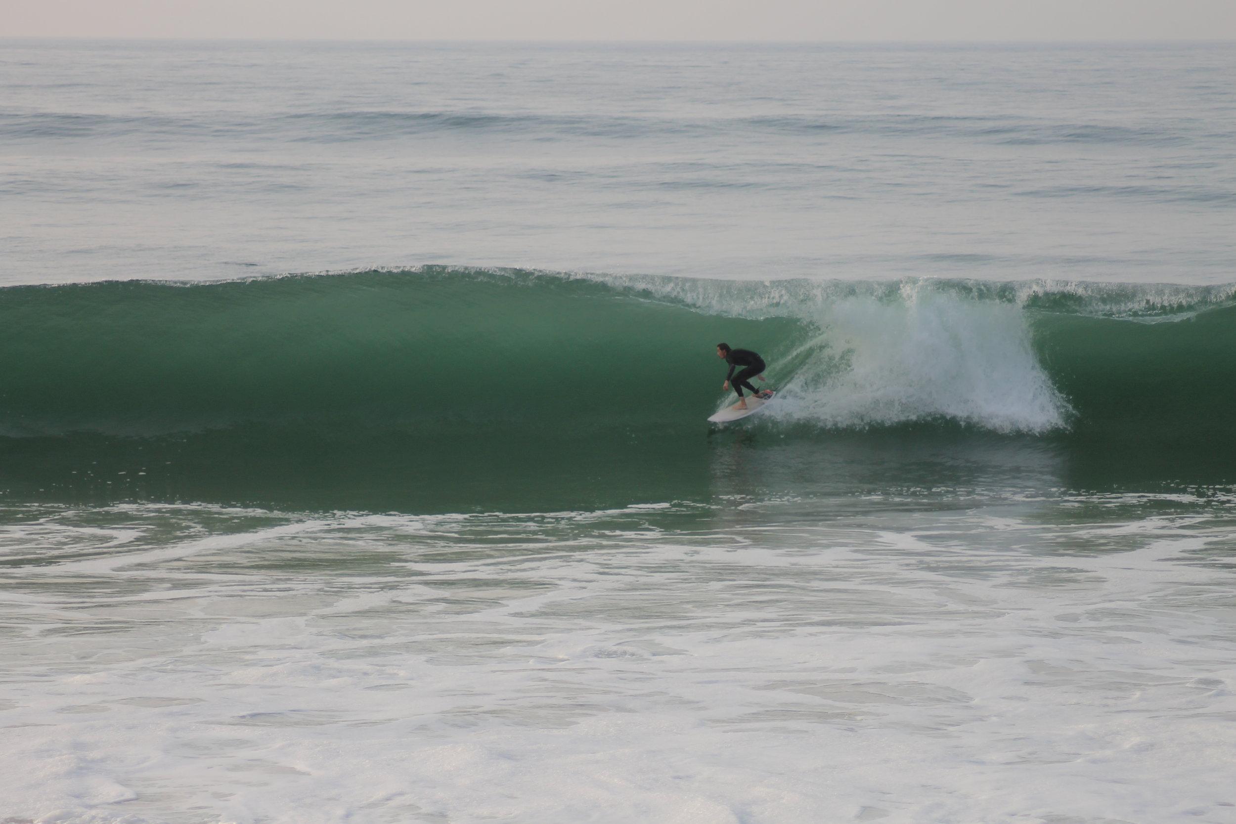 Tucking in at Tarnos (Surfer: Will Hamling)