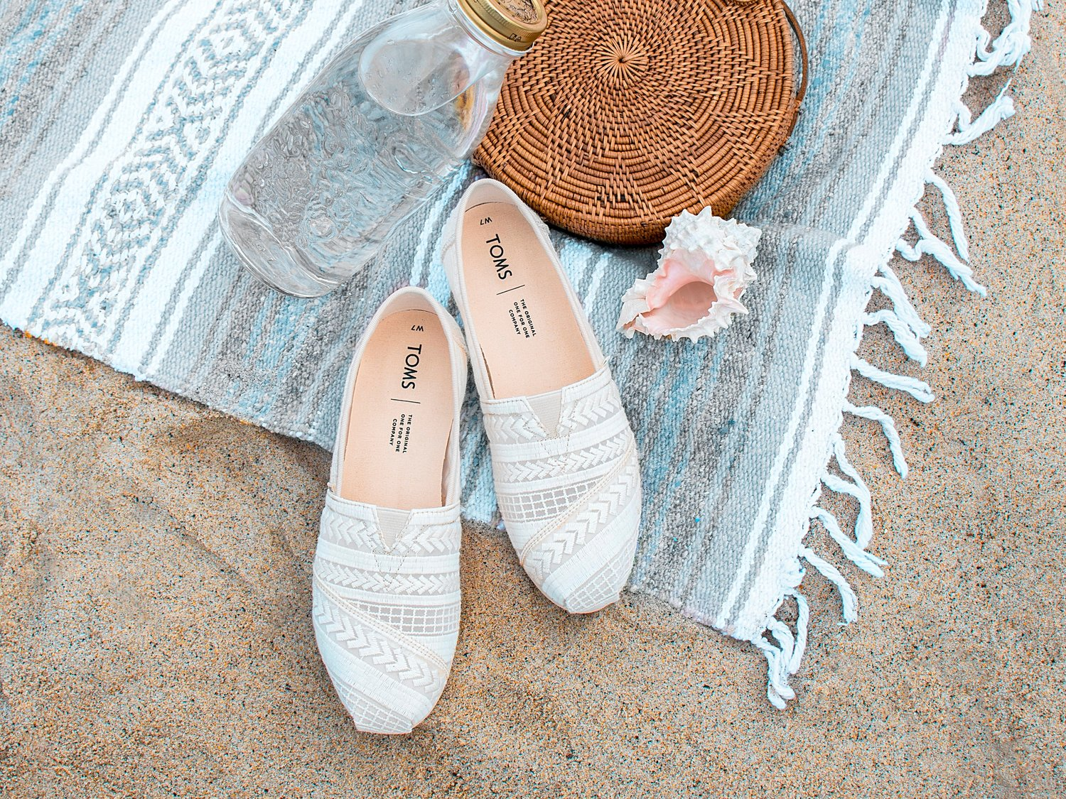 Vegan Natural Arrow Embroidered Mesh Women's Classics