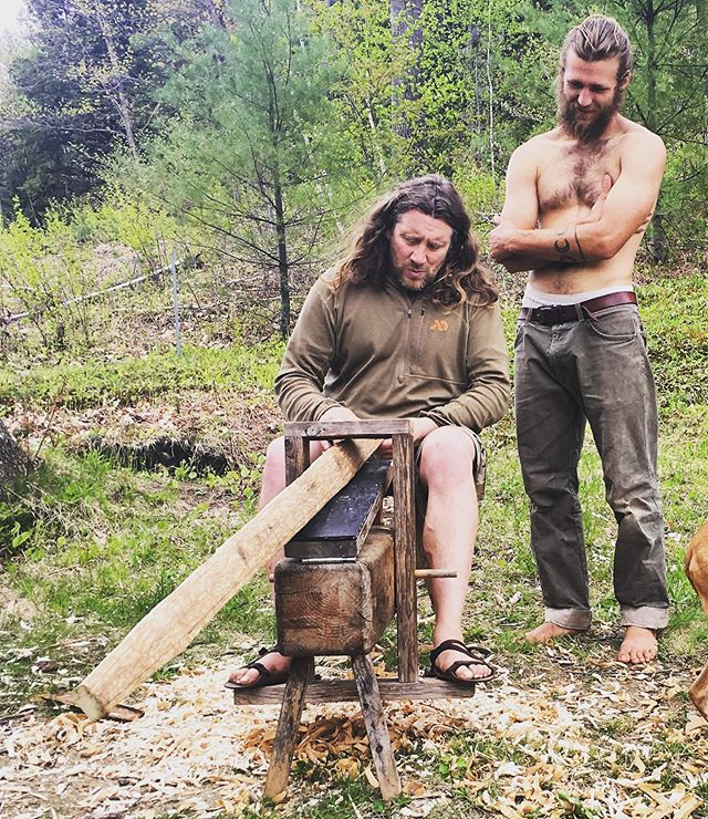 Arthur with his current bowmaking student, Jesse, and the white ash bow stave. Imagine creating an effective hunting weapon that leaves our iron-ore mountains standing. 👍🏹⛰