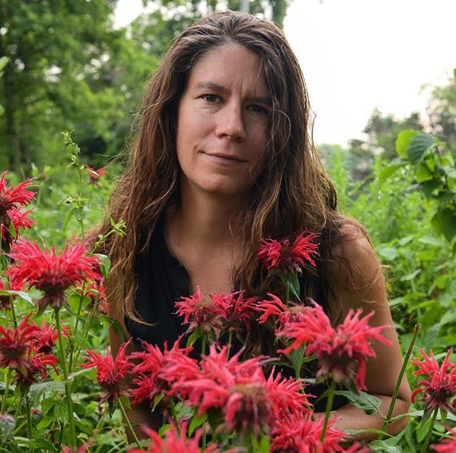 Meet Rachel Mackow of the Wilder Waters Gathering! Rachel is the owner of Wild Ridge Plants and she will be offering a class on selecting, planting, and growing native edible and medicinal plants. Here she is pictured with Bee Balm (Monarda didyma), an edible and medicinal native wildflower. 🌱🌸🌿
