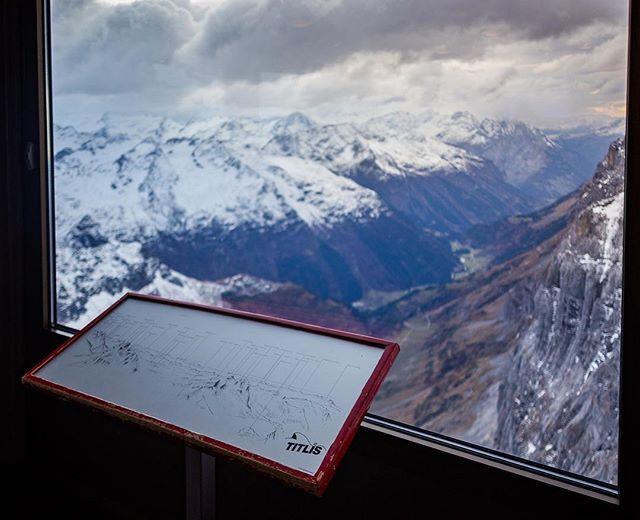 Titlis 3,238 m 🏔  #titilsmountain #uri #titlis #fotopi #swissalps #outdoors #wander #swissalps #travelphotography #intothealps #ig_schweiz #rausaberrichtig #niceview #wanderlust #rausundmachen #gotoforest
