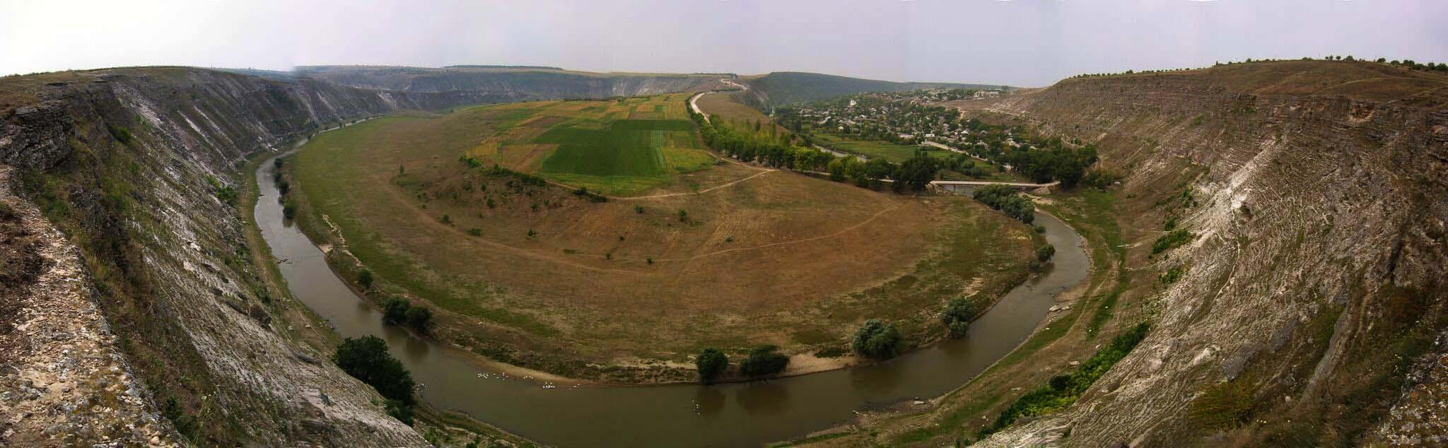 OV-Panorama-Est1-ps-background.jpg