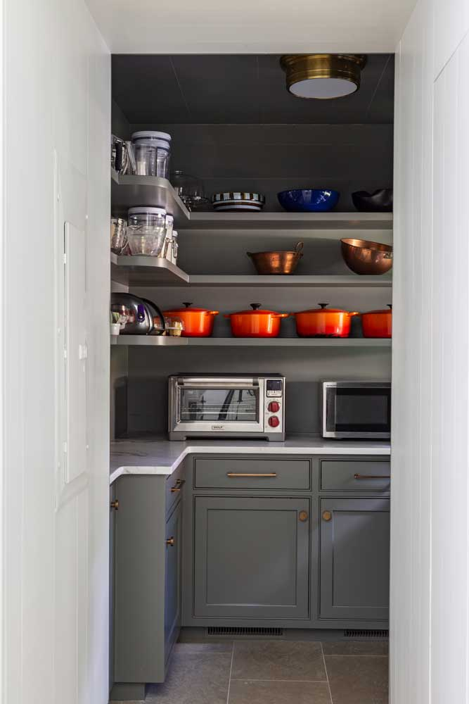 custom-designed-butlers-pantry.jpg