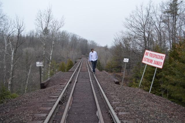 TrainTracksPicture.jpeg