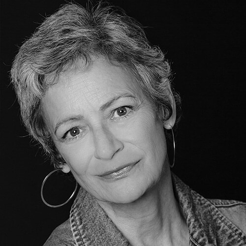 Sally Wingert (Desirée Armfeldt)